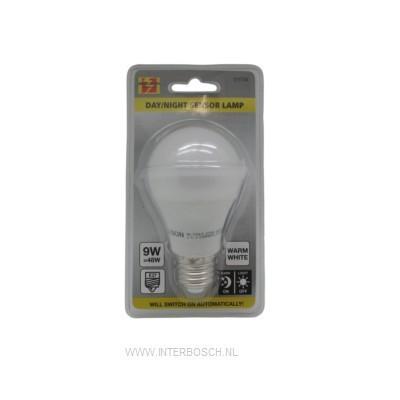 Led Lamp E27 A60 9W + Dag/Nacht Sensor