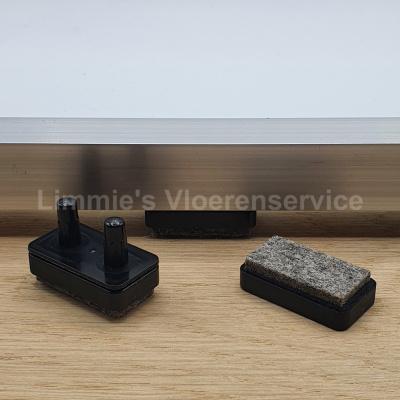 Foto van Viltglijder rechthoekig voor vlakke buisframe met dubbele pen 31x17mm