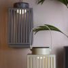 Bild von Metalllaterne mit LED-Grau
