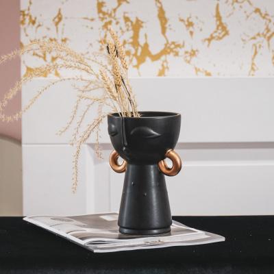 Vase schwarz mit Goldohrring-12x11x18cm