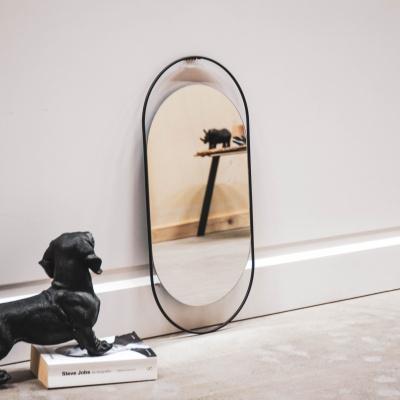 Ovaler schwarzer Spiegel - 29x1x60cm