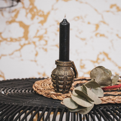 Handgranat-Kerzenständer - Gold
