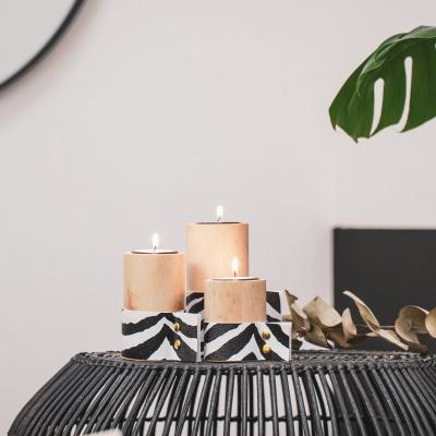 Hölzerne Teelichterhalter Zebra 5,5 x 5x5 x 7,5 cm