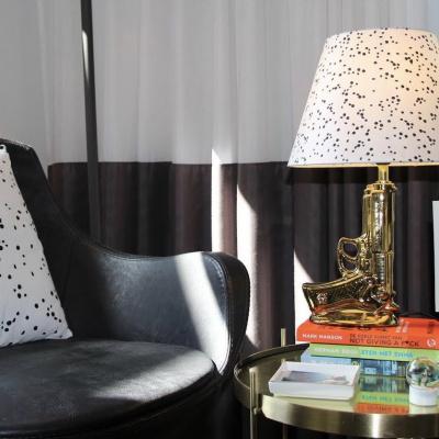 Punkte Lampenschirm-17x30x20cm-schwarz / weiß