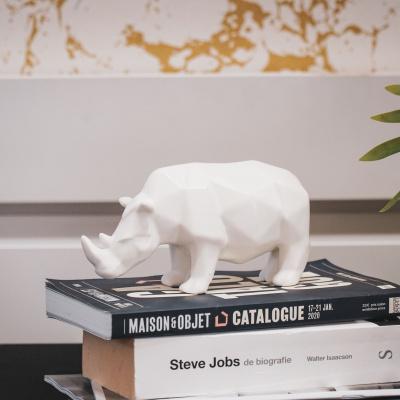 Neushoorn beeld Wit -18,5x7x10 cm