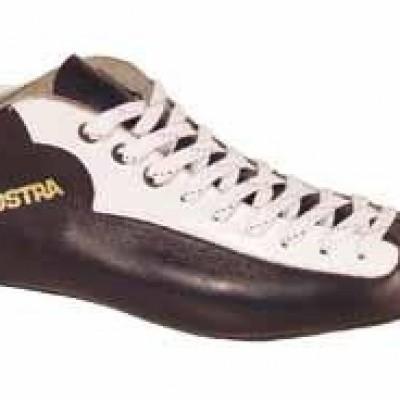 Foto van Zandstra rundleren schaatsschoen.