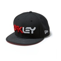 Foto van Oakley Factory New Era Black