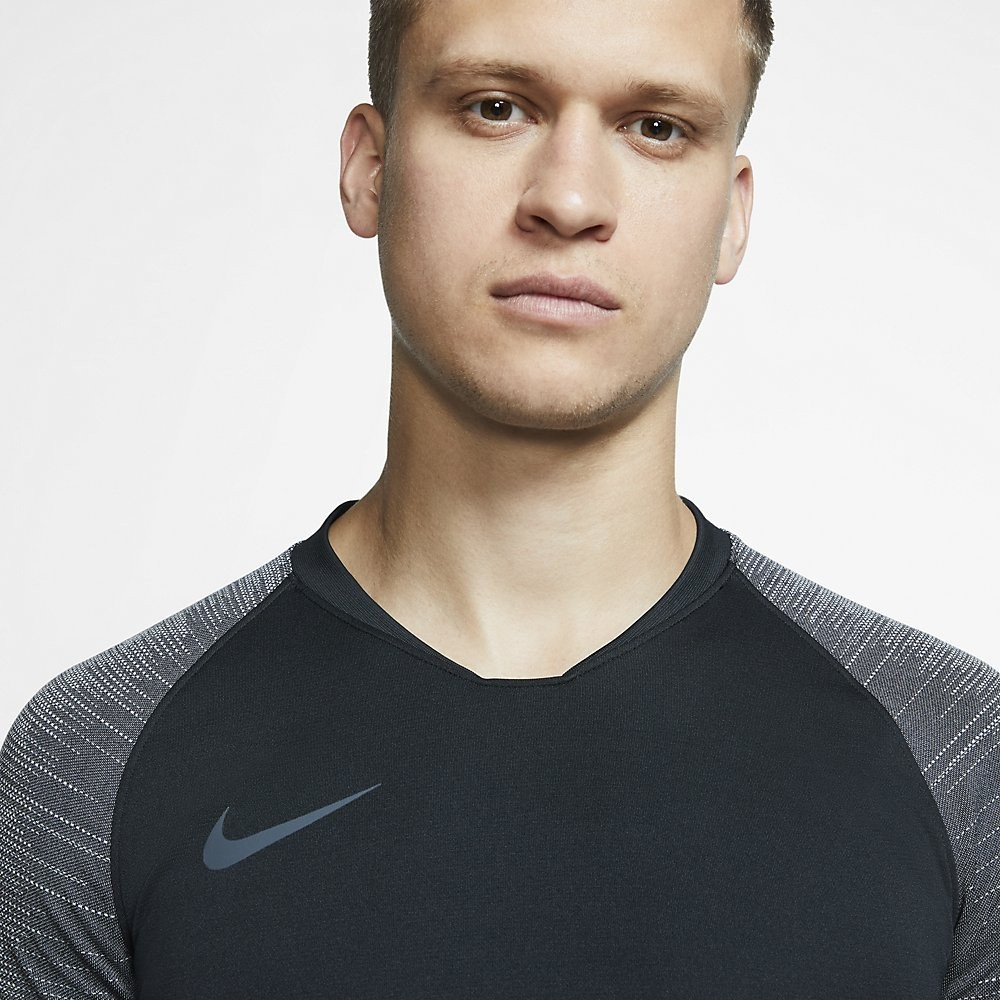 Afbeelding van Nike Breathe Strike Top Black
