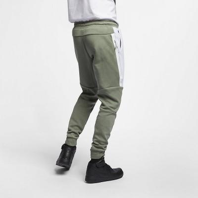 Foto van Nike Tech Fleece Pant Vintage Lichen