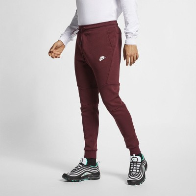 Foto van Nike Tech Fleece Pant Maroon