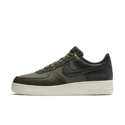 Foto van Nike Air Force 1 GTX Medium Olive