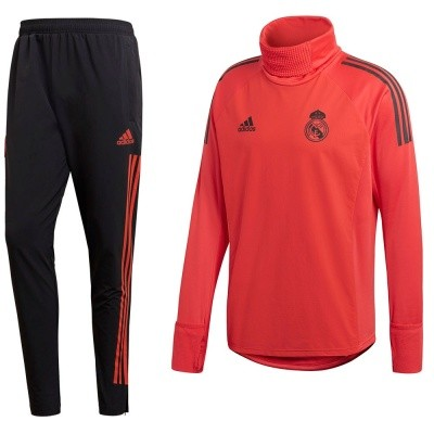 Foto van Real Madrid Ultimate Warm Longsleeve Set EU