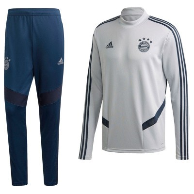 Foto van FC Bayern München Trainingsset Light Solid Grey