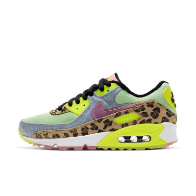 Foto van Nike Air Max 90 LX Illusion Green