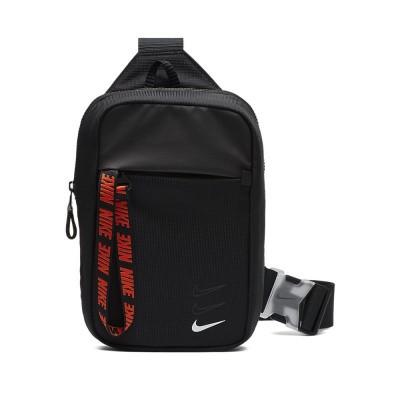 Foto van Nike Sportswear Essentials heuptas Zwart