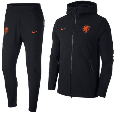 Foto van Nederlands Elftal Tech Pack Set Black