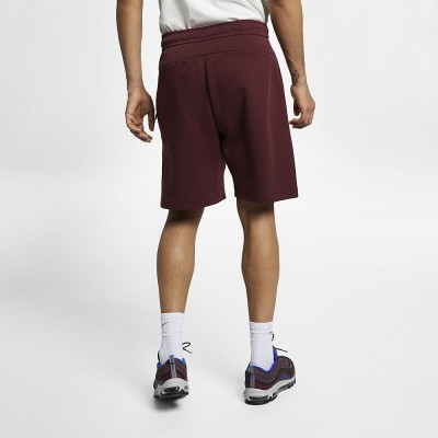 Foto van Nike Sportswear Tech Fleece Short Maroon