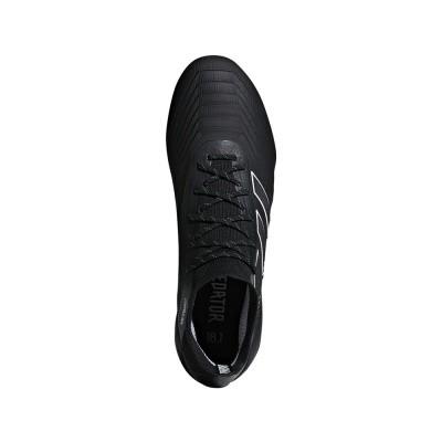 Foto van Adidas Predator 18.1 FG Zwart
