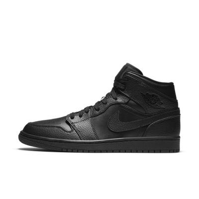 Foto van Nike Air Jordan 1 Mid Triple Black