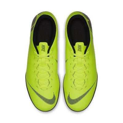 Foto van Nike VaporX 12 Club IC Volt