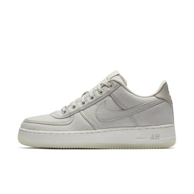 Foto van Nike Air Force 1 Low Retro QS