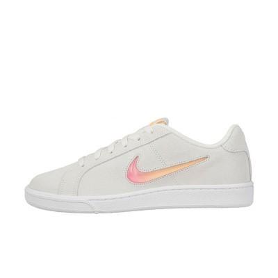 Foto van Nike Court Royale Premium