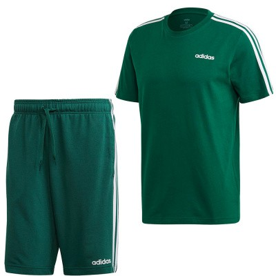 Foto van Adidas Essentials 3 Stripes Set Collehiate Green