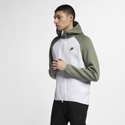 Foto van Nike Sportswear Tech Fleece