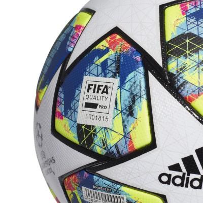 Foto van Adidas Finale Officiële Wedstrijdbal