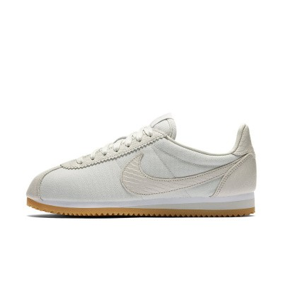 Foto van Nike Classic Cortez SE Light Bone