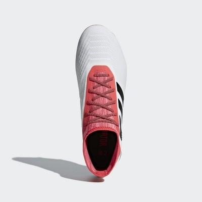 Foto van Adidas Predator 18.2 FG