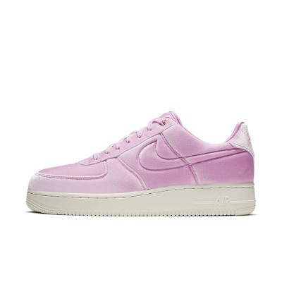 Foto van Nike Air Force 1 '07 Premium 3 Pink