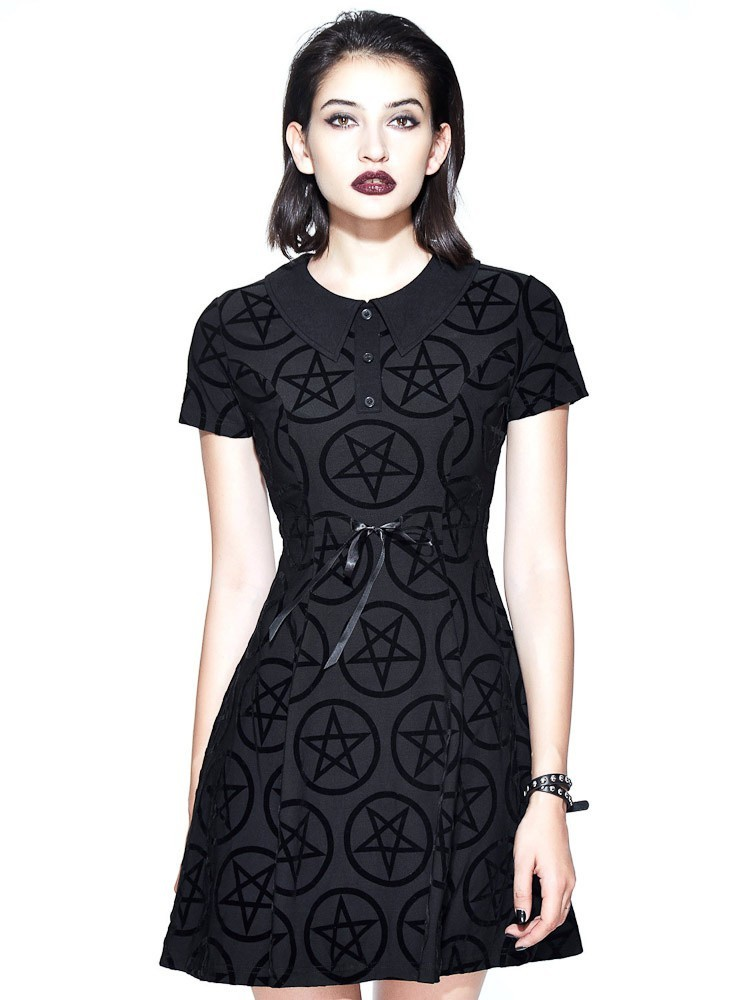 Jurk Vampirella, met korte mouw, kraagje en velvet pentagram-print