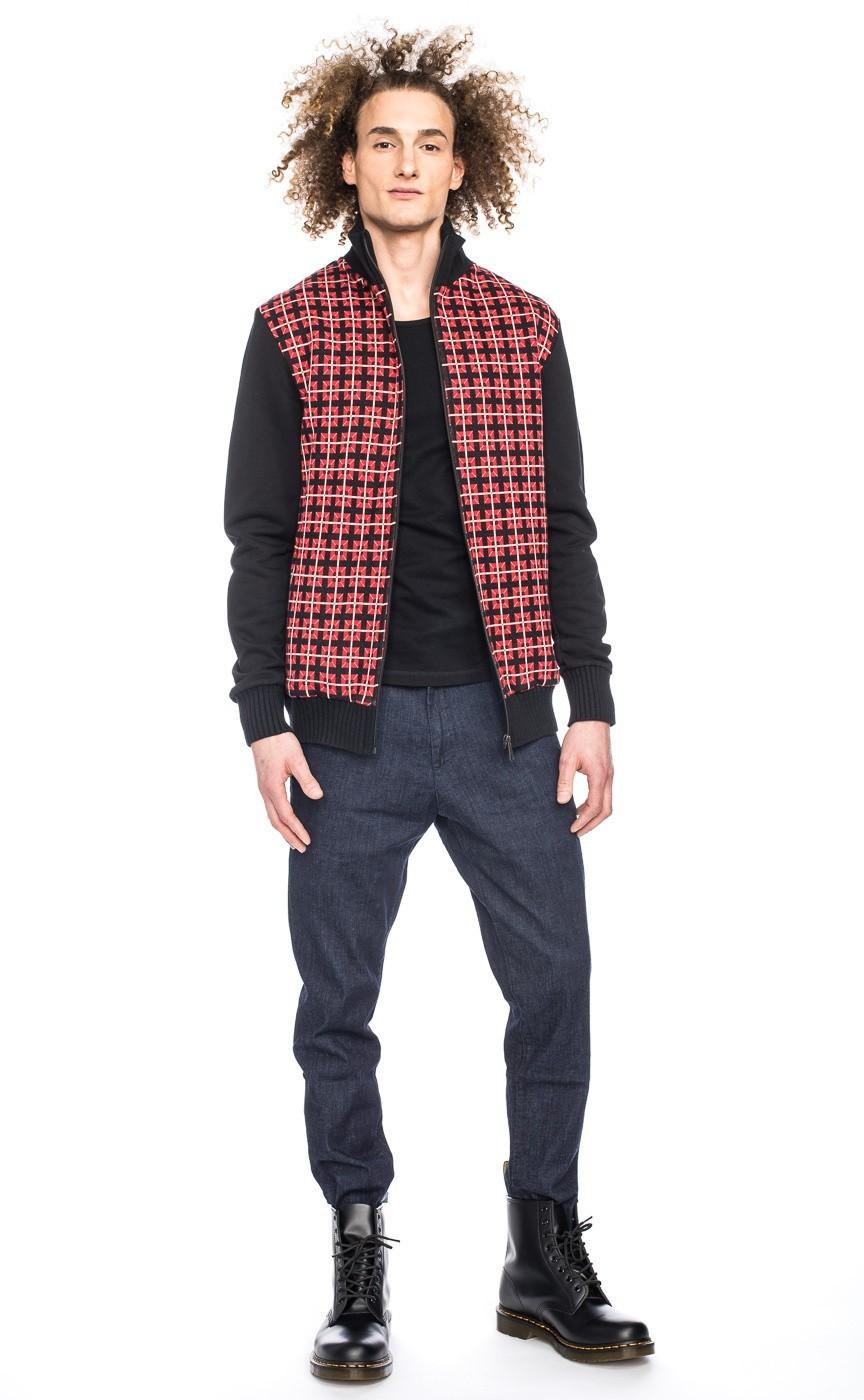 Vest Toni, zwart rood met grafisch jaquard patroon