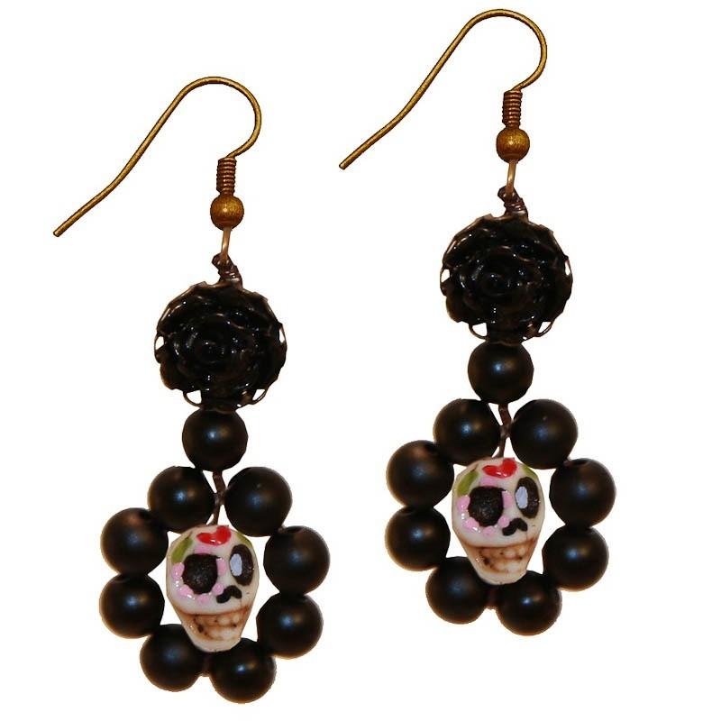 Miranda's Choice - Oorbellen met sugarskull, zwarte kralen en zwarte bloem