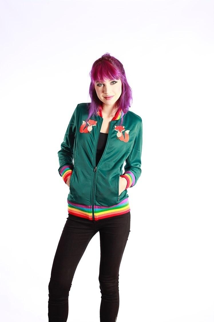 Sportjas Anne, groen vos borduursel en regenboog boorden