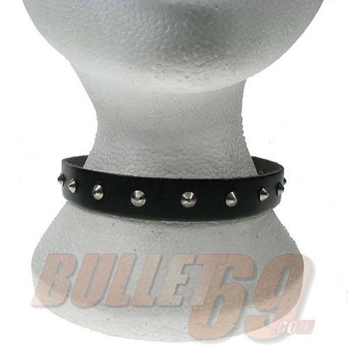 Leren halsband, 18mm met 1 rij kleine zilverkleurige conical studs