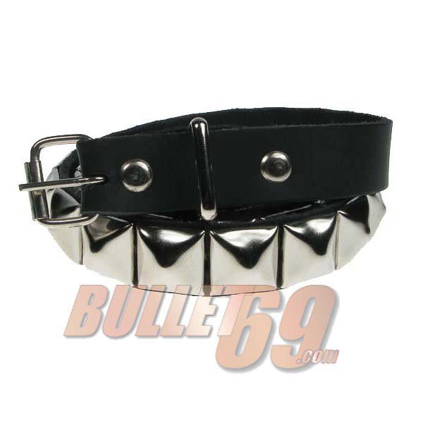 Bullet69 - Riem met 1 rij metalen pyramide studs, 19 mm
