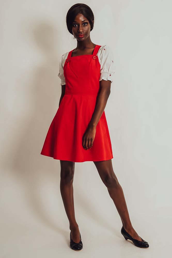 Voodoo Vixen | Rode ribcord pinafore jurk Donita met hartvorm