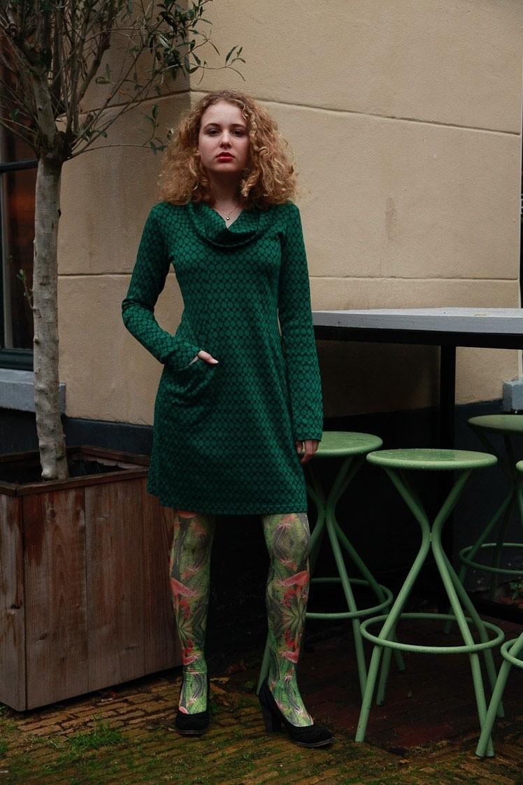 Jurk Halbmond, lang model met groen zwart Jaquard patroon