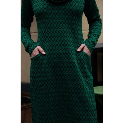 Foto van Jurk Halbmond, lang model met groen zwart Jaquard patroon