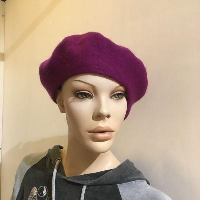 Foto van Klassieke baret van wol, paars