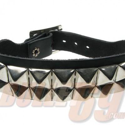 Foto van Bullet69 - Leren armband met 2 rijen metalen pyramide studs