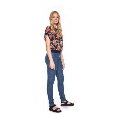 Foto van Ato Berlin, T-shirt Mona bloemen toekan patroon