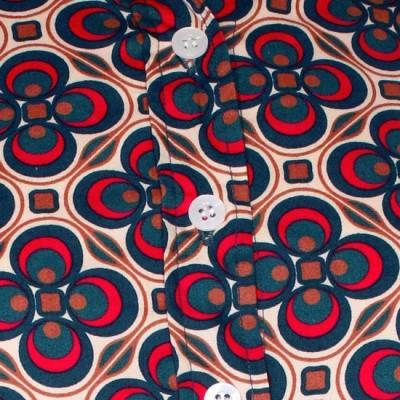Foto van Chenaski | dames blouse Dotsgrid, creme petrol