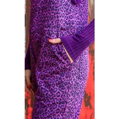 Foto van Run & Fly | Tuinbroek met paarse luipaard, unisex