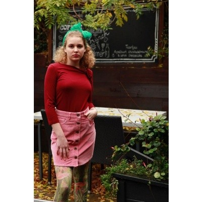 Foto van Rok Ivy, roze ribcord met zakken en 70ties knoopsluiting