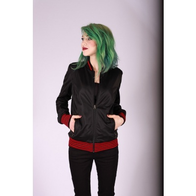 Sportjas Anne, zwart met rood zwart gestreepte boorden