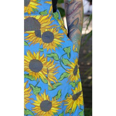 Foto van Run & Fly | Jurk Pinafore, blauwe denim met zonnebloem print