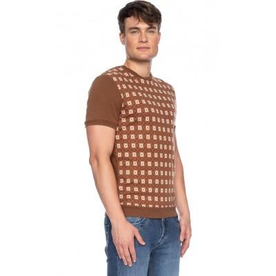 Foto van Ato Berlin, T-shirt Birk met bruin en beige retro patroon, biokatoen